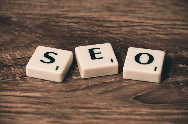 The word SEO written with blocks